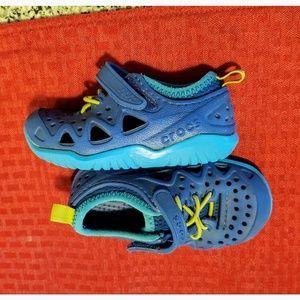 Crocs size c7.